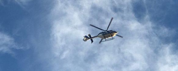 Un helicóptero ha rastreado las zonas de las detenciones desde primera hora de la mañana. // CharryTV