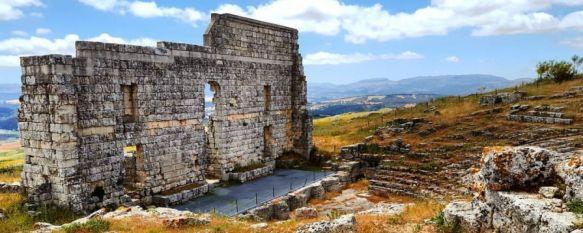 Investigación y conservación centran la hoja de ruta del Plan Director de Acinipo, El documento, presentado en la sede de la Fundación Unicaja en Málaga, destaca la necesidad de poner en valor las potencialidades del yacimiento arqueológico, 27 Mar 2019 - 19:54