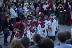 El capataz del paso de misterio dedicó una primera levantá a la juventud cofrade y a la incorporación de nuevos hermanos. // Juan Velasco