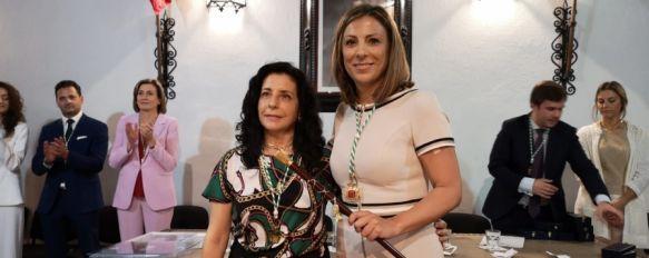 Mª Paz Fernández (PP) se convierte por tercera vez en alcaldesa de Ronda , La candidata del Partido Popular ha contado con el apoyo de los ediles de APR, con los que gobernará en coalición y de Ciudadanos, que finalmente estará en la oposición, 15 Jun 2019 - 10:46