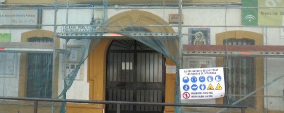 Comienzan las obras para la retirada del amianto del Colegio Virgen de la Paz, El delegado de Educación explica que se sustituirá la cubierta…, 09 Jul 2019 - 18:58