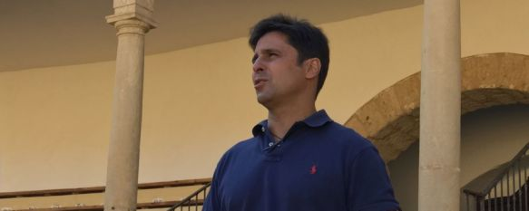 El empresario de la plaza de toros de Ronda, atendiendo este mediodía a CharryTV // Ignacio Garrido