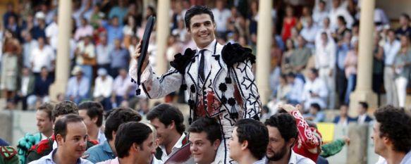 El sevillano Pablo Aguado, instantes antes de salir por la puerta grande  // Arjona