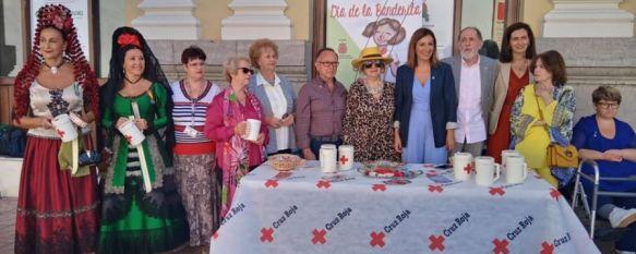Cruz Roja celebra su Día de la Banderita junto a los colectivos de mayores Arunda y Amaro