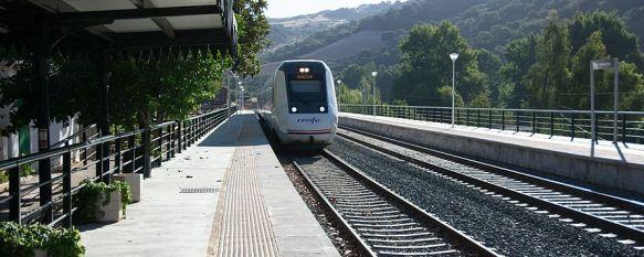 La Plataforma subraya el impacto que unas deficientes comunicaciones por ferrocarril genera en la despoblación de la comarca. // Plataforma por un Tren Público y Digno.