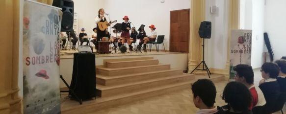 Paco Damas trae el recuerdo de Las Sin Sombrero al Colegio Fernando de los Ríos, El cantautor jienense implica a los alumnos de secundaria del…, 11 Oct 2019 - 20:00