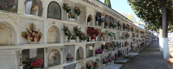 El Ayuntamiento destina 19.000 euros para adecentar el cementerio de San Lorenzo, Según la responsable del área, María del Carmen Martínez, ya han concluido las obras del nuevo Osario General que ha contado con una inversión de 56.000€, 29 Oct 2019 - 19:28