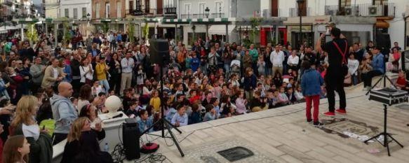Pese a la lluvia, la Plaza del Socorro pudo acoger algunos espectáculos que contaron con gran afluencia de público. // Ronda, Ciudad Mágica