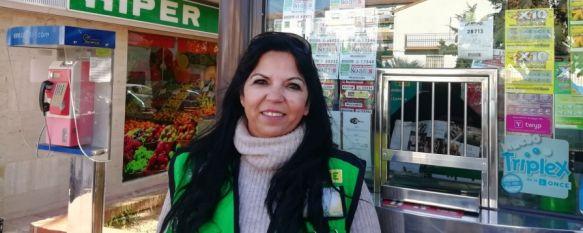 La vendedora de la ONCE Josefa Vega entrega 280.000 euros en premios, Los cupones, correspondientes al sorteo diario, se vendieron en un puesto de la Avenida de Málaga y ya es la séptima vez que la empleada reparte un premio como este, 12 Dec 2019 - 12:58