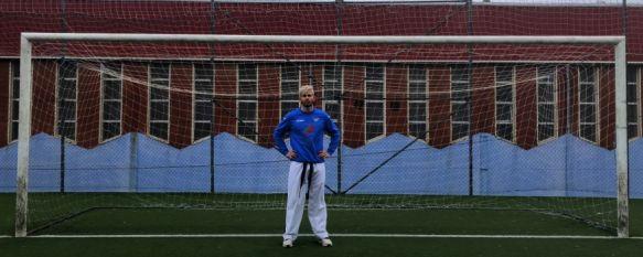 Jonathan Manzano: un subcampeón de Europa de Kárate que golea con el CD Ronda, El delantero vuelve a competir 18 años después como federado en fútbol 11 y ya ha materializado una docena de goles en la Primera Andaluza malagueña , 19 Dec 2019 - 19:54