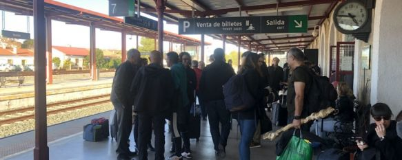 Renfe ha anunciado a los pasajeros del tren que viaja dirección Madrid que la llegada a destino se retrasará por