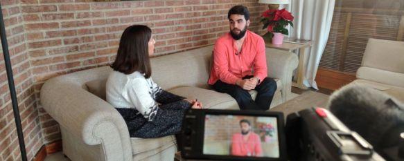 El periodista rondeño trabaja en la sección de vídeo de El País y explora otros formatos como el podcast. // CharryTV