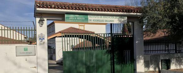 """El IES Rodríguez Delgado considera """"perjudicial"""" la nueva estación de autobuses, La directora asevera en un escrito que afectará a la labor del centro y Educación se compromete a tomar medidas contra la contaminación acústica que generaría, 05 Feb 2020 - 18:24"""
