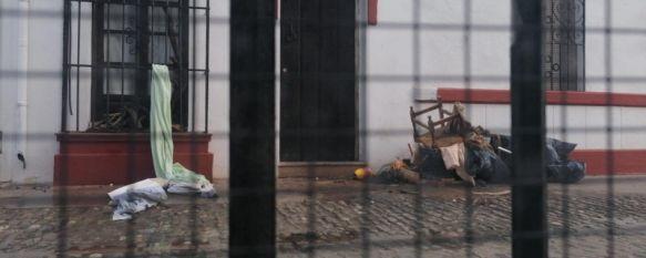 Detenido un vecino de la calle Tenorio por intentar estrangular a un trabajador de un hotel, Los vecinos de la zona llevan ya tres años denunciando la conducta incívica, robos y agresiones del presunto autor de los hechos, que padece problemas psiquiátricos, 07 Feb 2020 - 13:16