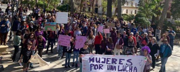 """Unas 300 personas se echaron a la calle en Ronda por el Día Internacional de la Mujer, La manifestación que organizó la asociación feminista de Ronda y la Serranía RondaFem, tuvo por lema """"Feminismo para cambiar el mundo"""", 09 Mar 2020 - 12:31"""