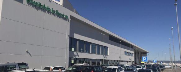 Imagen de la entrada principal del nuevo Hospital Comarcal de la Serranía  // Nacho Garrido