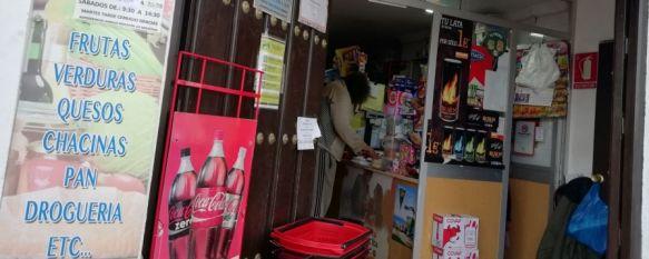 Los propietarios de las tiendas de barrio han experimentado un incremento de ventas en los últimos días. // CharryTV