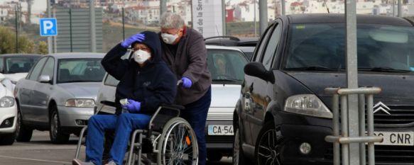 Los sanitarios podrán hacerse las pruebas del COVID-19 a partir de mañana, Desde el Sindicato Médico, su representante en el Área Sanitaria, explica que los tests rápidos que identifican el virus en 15 minutos no han llegado a realizarse en España, 25 Mar 2020 - 17:03