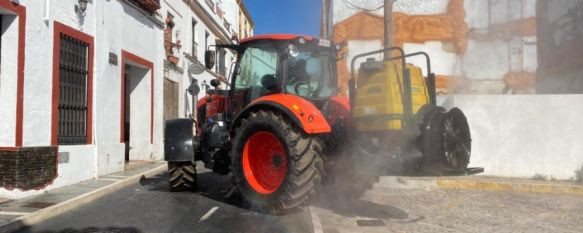 Los agricultores prosiguen con su labor de desinfección de la ciudad, De forma voluntaria, 16 trabajadores en 12 vehículos han recorrido Ronda y sus pedanías para limpiar sus calles , 07 Apr 2020 - 14:11