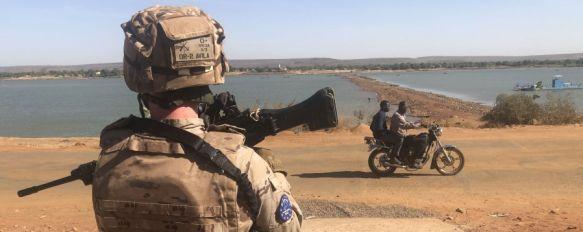 Un legionario de la Force Protection, durante un ejercicio cerca de la base de Koulikoro, junto al río Níger // Manolo Guerrero