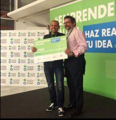 Domingo Espinosa recibió en mayo de 2019 el premio del programa Emprende24 a mejor iniciativa en el mundo rural entre un total de 40 proyectos. // Domingo Espinosa