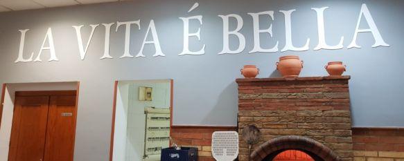 La Vita é Bella y Oído Serranía organizan un reparto de 250 pizzas este jueves, La comida se destinará a usuarios habituales del servicio que ofrecen los chefs, otras familias vulnerables, personal del Hospital y miembros de los cuerpos de seguridad, 06 May 2020 - 11:24