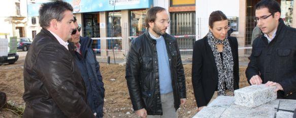 La Plaza Carmen Abela ampliará las zonas de tránsito para peatones y alumbrado , El proyecto, que se ha ejecutado en un 40%, cuenta con una inversión de 818.000 euros, 28 Nov 2011 - 20:48