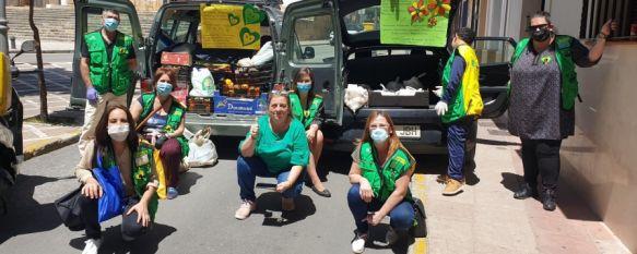 Trabajadores de la ONCE se solidarizan con Cruz Roja y Solidari@s en Ronda, Los cuponeros han recaudado 700€ con los que han adquirido pollos, ingredientes para puchero, fruta, verdura, detergente, aceite y pañales para familias vulnerables, 08 May 2020 - 19:54