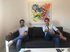 Alberto Galván y Manuel López son los propietarios de GAV Holiday Apartments, y alquilan 28 pisos turísticos. // Manolo Guerrero