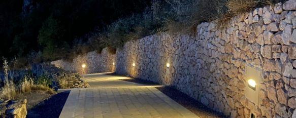 La actuación ha incorporado puntos de luz para iluminar la muralla y las puertas de Cristo y del Viento. // Sergio Valadez
