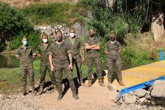 Legionarios de la Sección de Reconocimiento (SERECO), una vez colocada la pasarela // Manolo Guerrero