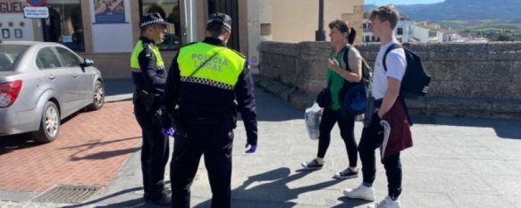 La Policía Local informará sobre el uso obligatorio de mascarilla los primeros días de aplicación, Durante el fin de semana se han ejecutado sanciones por exceso de ruido en domicilios y a jóvenes por consumo de alcohol en la vía pública, 13 Jul 2020 - 12:53