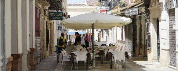 La Junta comienza a aplicar las medidas de prevención emitidas por el Ministerio de Sanidad, La nueva normativa, en vigor desde la pasada medianoche, decreta el cierre de discotecas, limita el consumo de tabaco en espacios públicos y fija el cierre de bares a la 1:00h, 17 Aug 2020 - 18:03