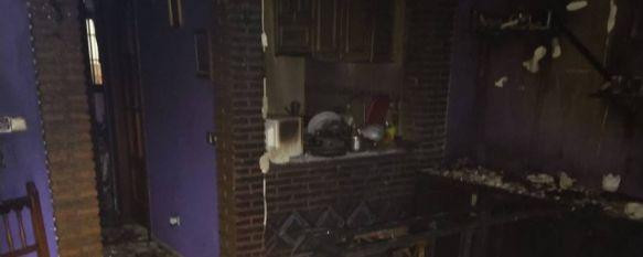 Detenido un menor de 17 años por agredir a su madre e incendiar la vivienda familiar , Los dos agentes del Cuerpo Nacional de Policía atendidos por inhalación de humo tras acceder al interior del domicilio se encuentran en buen estado de salud , 19 Aug 2020 - 20:00