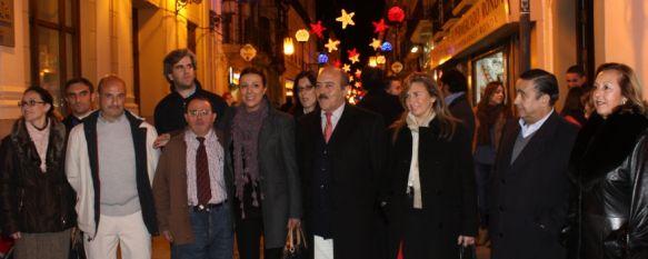 El pasado miércoles tuvo lugar el encendido del alumbrado navideño, Además de la zona centro, las distintas barriadas también tendrán un detalle luminoso para estas fiestas, 09 Dec 2011 - 17:07