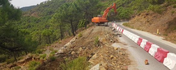 El objetivo de la actuación es la mejora de la plataforma de la vía, el drenaje y los elementos de contención. // Diputación de Málaga