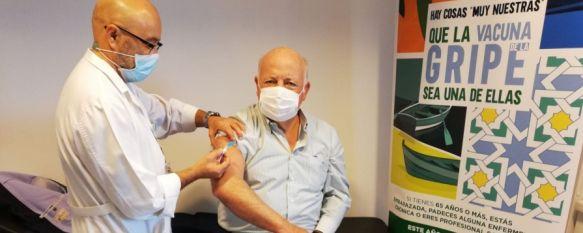 Arranca la campaña de vacunación contra la gripe para pacientes a partir de 65 años, Los usuarios podrán pedir cita a través de la aplicación de Salud Responde, ClicSalud+ o contactando con su centro de salud, 14 Oct 2020 - 18:48