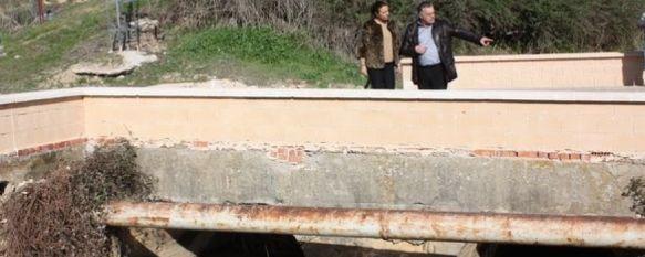 Realizan mejoras en los dos puentes del camino de Navares y Tejada para evitar inundaciones , Desatoran los dos puentes de los arroyos del Calerín y de la Toma y colocan muros de seguridad, 15 Dec 2011 - 18:15