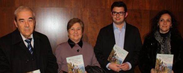 """Presentan el libro """"Mujeres viajeras recorren la Andalucía del XIX"""", La obra ha sido escrita por el rondeño Antonio Garrido Domínguez y publicada por 'Editorial La Serranía', 16 Dec 2011 - 17:23"""