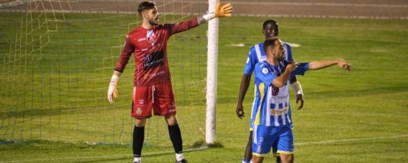 El guardameta rondeño, durante un encuentro con el equipo burgalés // Arandina CF