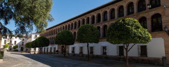 Martínez ha señalado que con esta decisión se evita una competencia desleal al empresariado local // Pedro Chito