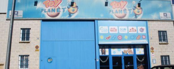 Detenidas cuatro personas por un incidente en un almacén de juguetes, Un empleado siguió a los cuatro individuos en su vehículo y alertó a los cuerpos de seguridad, 21 Dec 2011 - 22:37