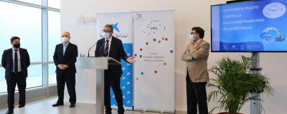 Un proyecto piloto permitirá sacar dinero en farmacias de pueblos sin cajeros ni bancos