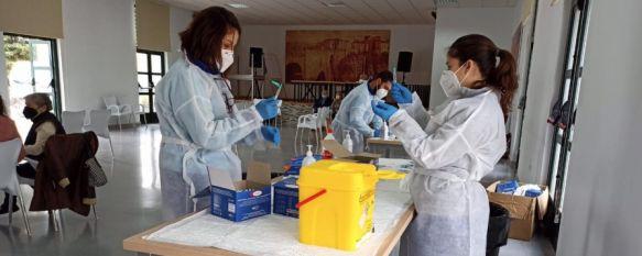 Los expertos estudian por el momento si los pacientes vacunados tienen la capacidad de transmitir el virus si se contagian. // Ayuntamiento de Ronda
