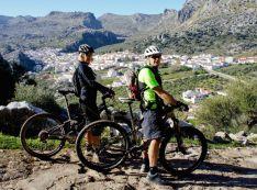 Heather y Wayne han unido su pasión por el ciclismo en su proyecto Hike & Bike The Sierras. // Heather Cooper & Wayne Pickering