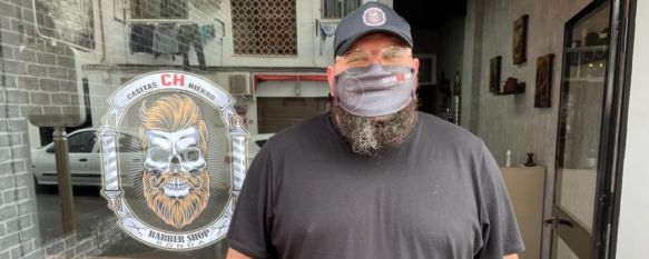 CH Barber Shop: un nuevo proyecto empresarial en las Casitas de Hierro, El rondeño Fran Valiente ha emprendido en su barrio con un negocio especializado en el cuidado de las barbas, en la calle Curro Guillén , 16 Apr 2021 - 18:56