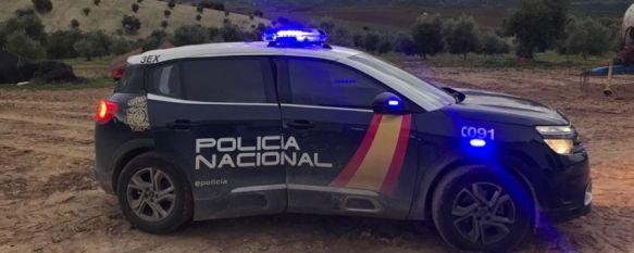 La Policía Nacional detiene a una pareja por robar tubos de cobre en el antiguo hospital comarcal, Los arrestados, un hombre de 45 años y una mujer de 44 de nacionalidad española, son responsables de un presunto delito de robo con fuerza, 26 Apr 2021 - 11:12