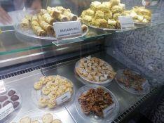 La Chabakia, uno de los dulces marroquíes típicos, es una especie de pestiño. // María José García