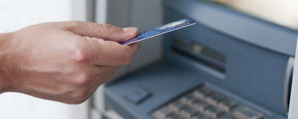 La Policía Nacional detiene a una mujer por apropiarse de 800 euros, La investigada, de 64 años, aprovechó la entrada a la entidad de un cliente para sustraer el dinero que había despachado en un cajero electrónico, 02 Jul 2021 - 15:45