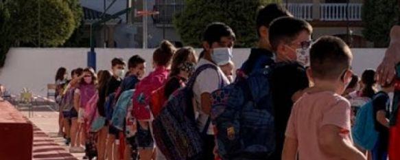 """Lola Martínez, directora del CEIP Juan Carrillo: """"Estamos agotados pero ha merecido la pena"""", Directores de colegios rondeños hacen balance positivo del curso 2020/2021 a pesar de las dificultades a las que se han tenido que enfrentar con motivo de la pandemia. , 02 Jul 2021 - 18:19"""